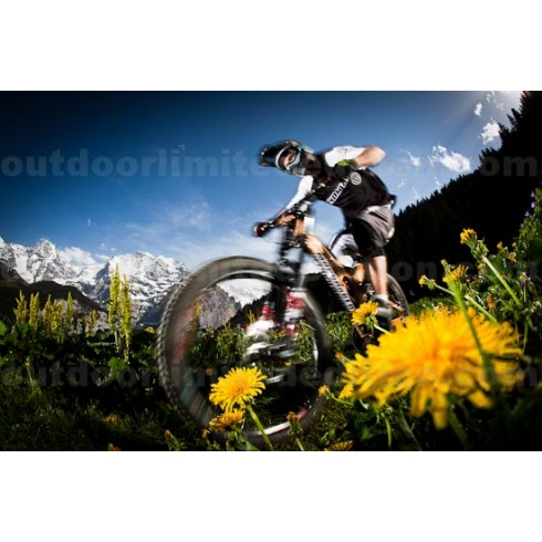 Mountainbiker in front of Eiger